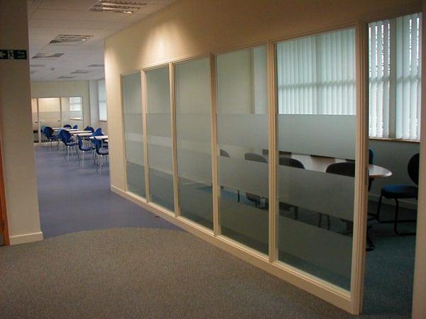Pareti divisorie modena formigine prezzi pareti ufficio for Pareti per ufficio